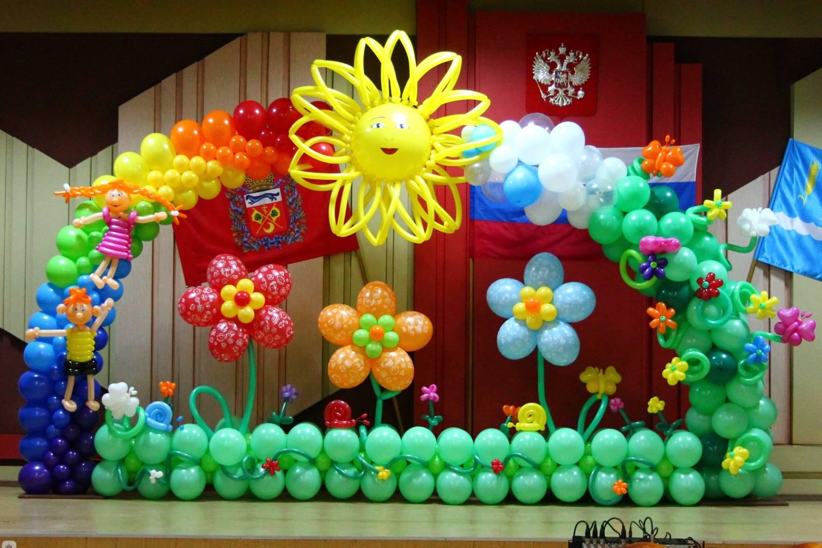 украшение шарами выпускной фото